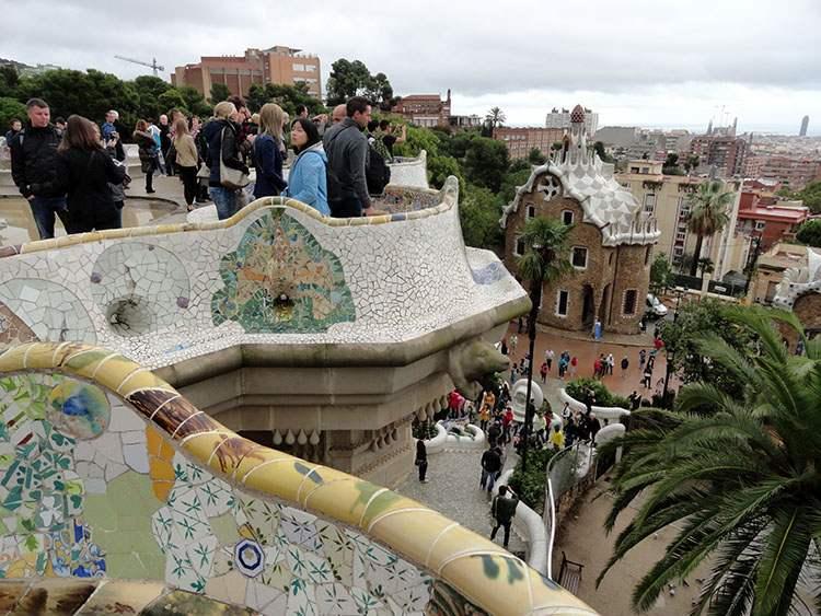 Park Guel Gaudi Barcelona ciekawostki