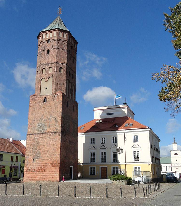 Pułtusk ciekawostki wieża rynek zabytki