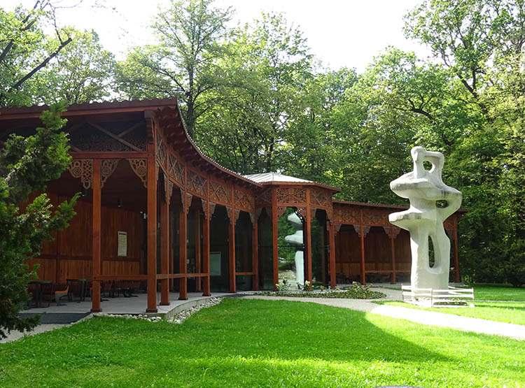 rzeźba inhalatorium Park Zdrojowy w Jastrzębiu Zdroju