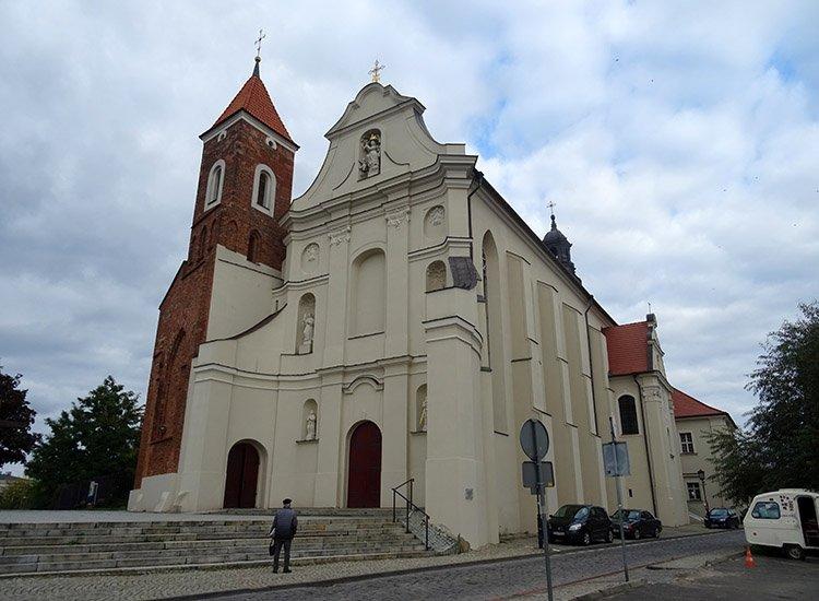 kościół Franciszkanów Gniezno ciekawostki atrakcje zabytki