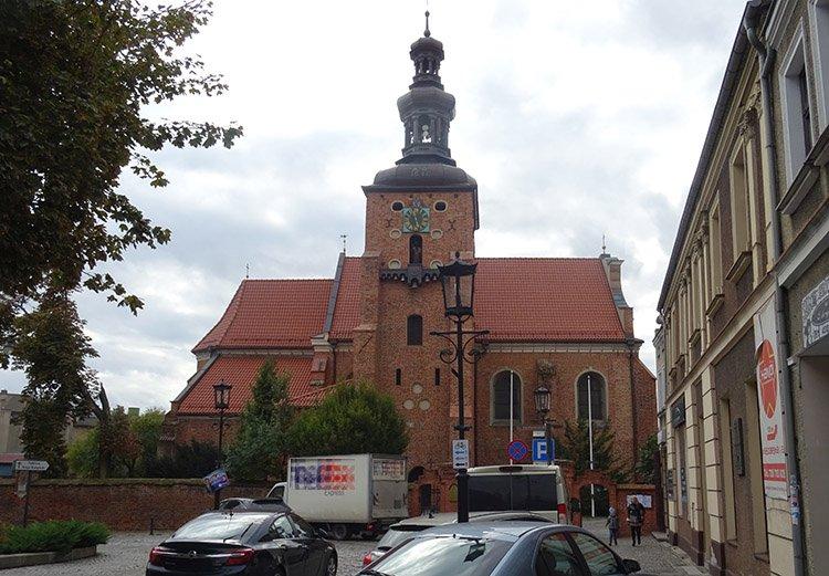 kościół świętej Trójcy Gniezno ciekawostki atrakcje zabytki