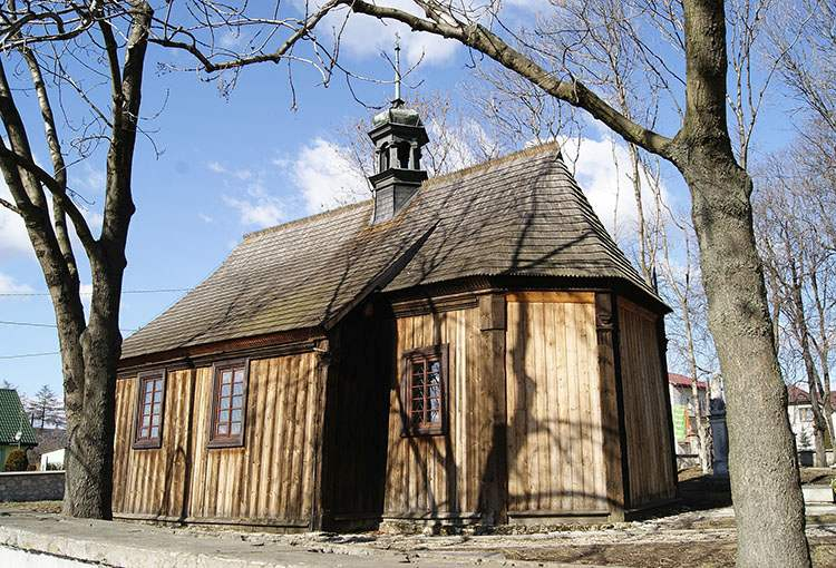 drewniany kościół św. Leonarda cmentarz  Busko Zdrój ciekawostki uzdrowisko