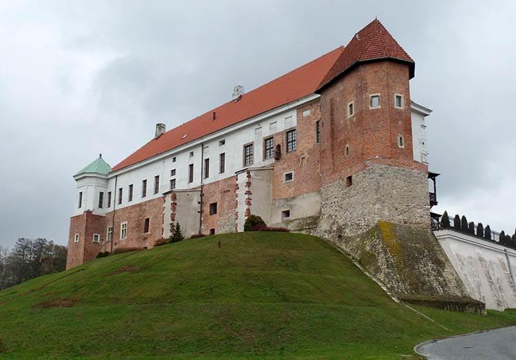 miasto Sandomierz ciekawostki zabytki atrakcje zamek w Sandomierzu zabytki