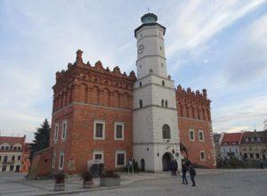 ratusz rynek Sandomierz ciekawostki atrakcje historia zabytki