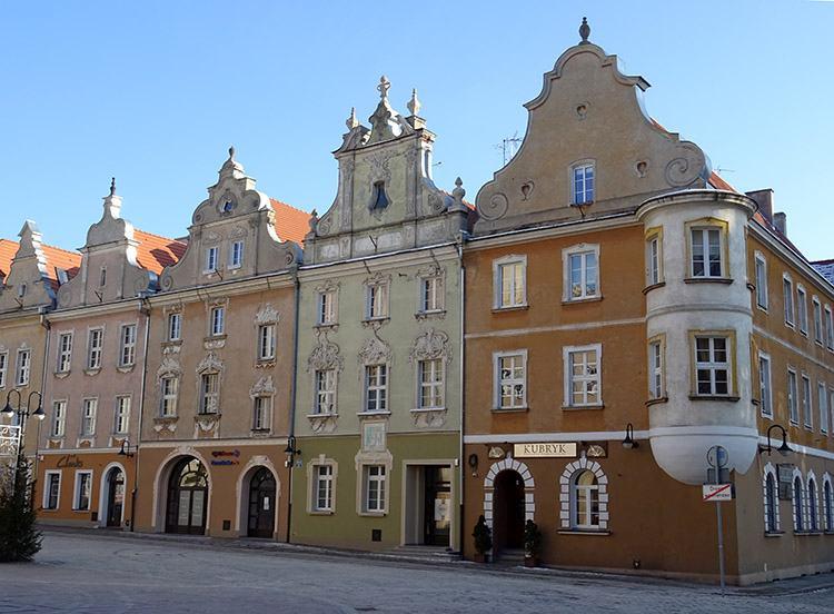 rynek kamienice Opole ciekawostki zabytki atrakcje