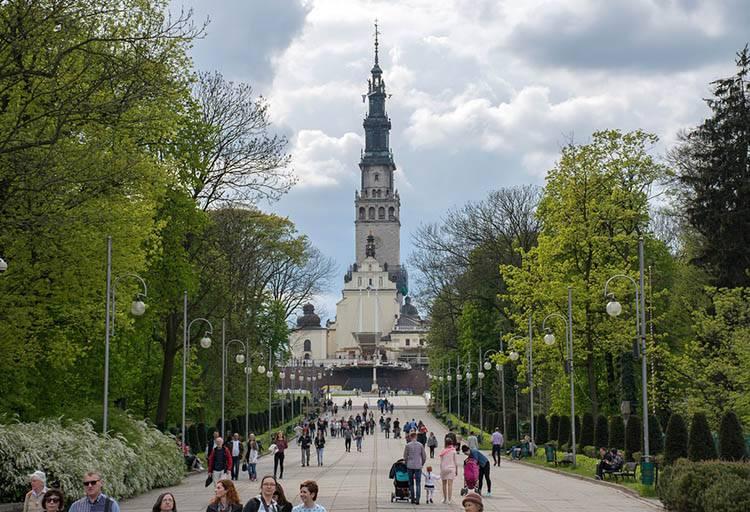 sanktuarium Jasna Góra aleja Częstochowa ciekawostki atrakcje