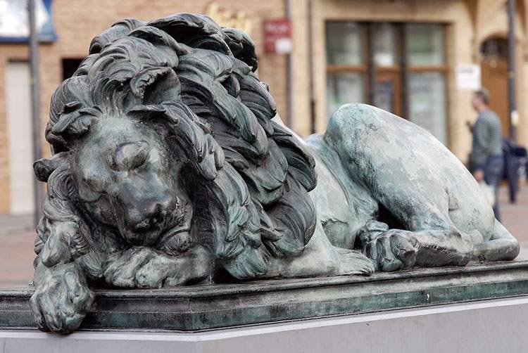 Śpiący lew Bytom ciekawostki atrakcje  miasto