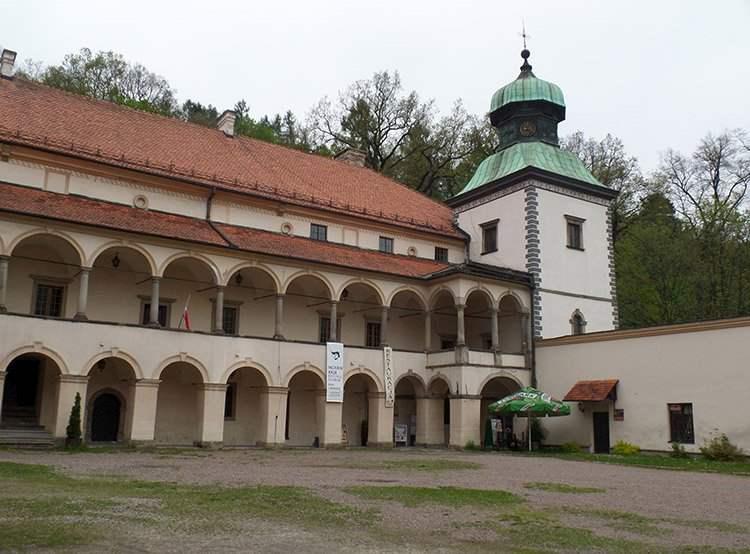 zamek Sucha Beskidzka ciekawostki
