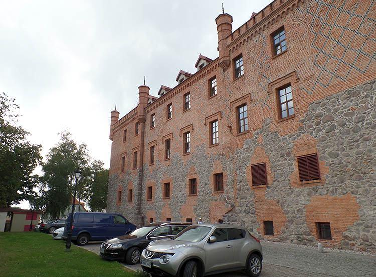 zamek krzyżacki Ryn ciekawostki atrakcje Mazury