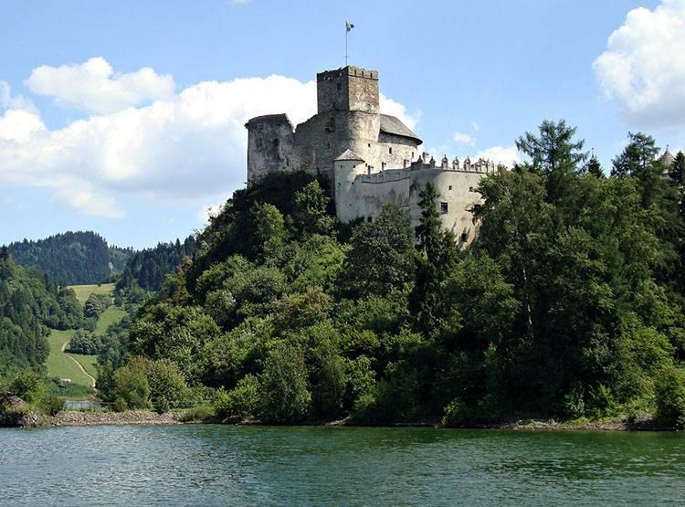 zamek Niedzica góry Pieniny ciekawostki atrakcje