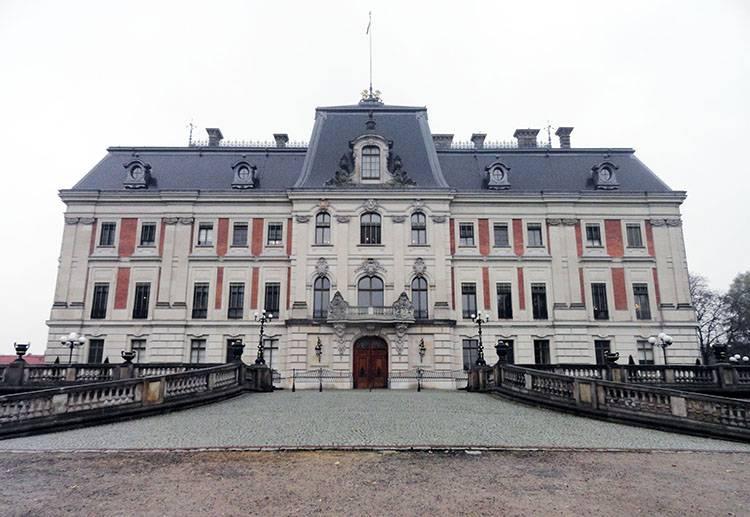 zamek pałac w Pszczynie zabytki atrakcje co zobaczyć