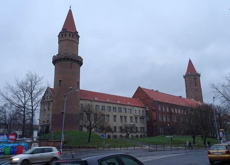 zamek piastowski Legnica ciekawostki atrakcje zabytki Legnicy