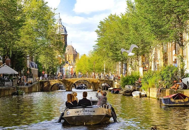 Amsterdam ciekawostki o Amsterdamie Holandia kanały atrakcje