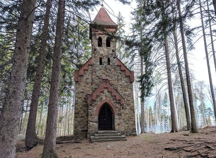 kaplica świętej Anny Góra Chrobrego Głuchołazy ciekawostki