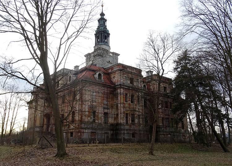 pałac Chocianów ciekawostki atrakcje