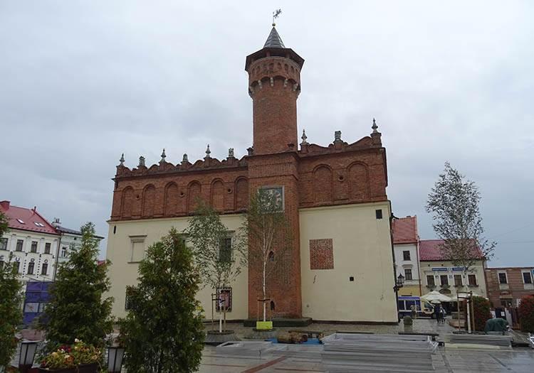 ratusz Tarnów ciekawostki zabytki atrakcje