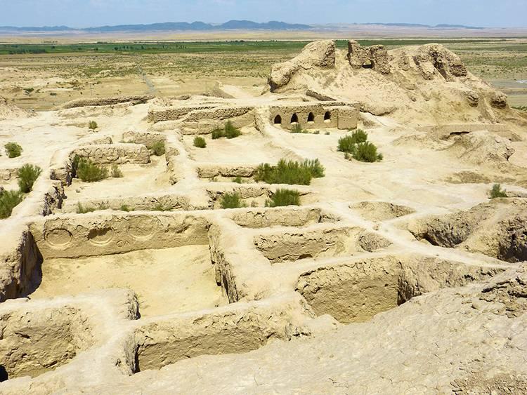 Tamanna Kala pustynna twierdza Uzbekistan ciekawostki atrakcje