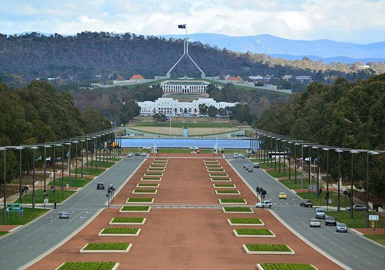 parlament Canberra ciekawostki Australia stolica zabytki atrakcje