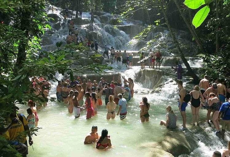 Dunn wodospady Jamajka ciekawostki atrakcje turystyczne wycieczka
