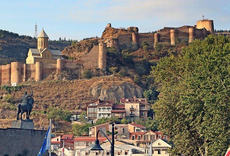 Narikala zamek Tbilisi ciekawostki atrakcje Gruzja stolica miasto