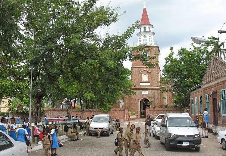 Spanish Town katedra Jamajka ciekawostki atrakcje wyspa państwo zdjęcia