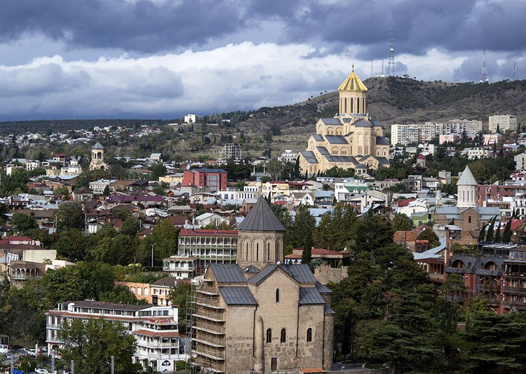 Tbilisi ciekawostki atrakcje Gruzja stolica miasto