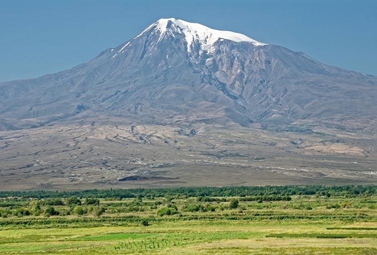 góra Ararat Turcja Armenia ciekawostki zabytki atrakcje historia