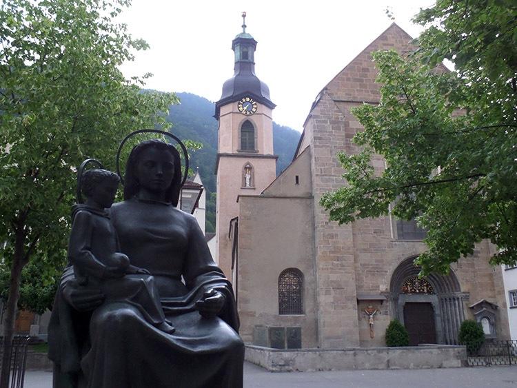 katedra Chur ciekawostki atrakcje zabytki Szwajcaria