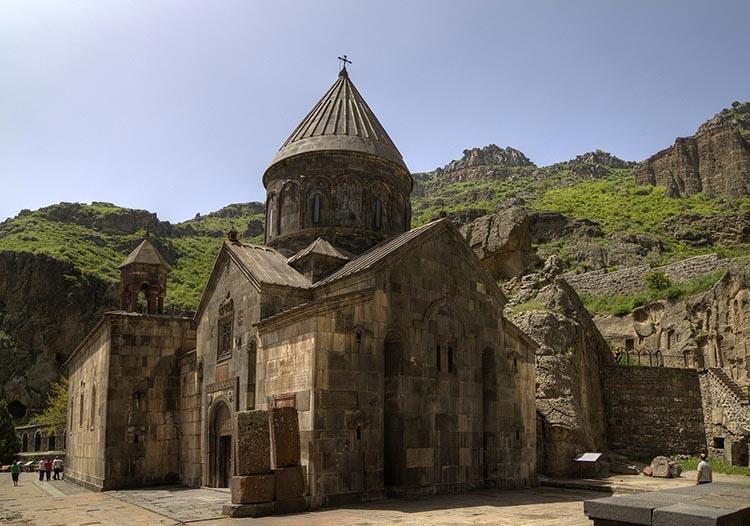 klasztor Geghard Armenia ciekawostki zabytki atrakcje historia