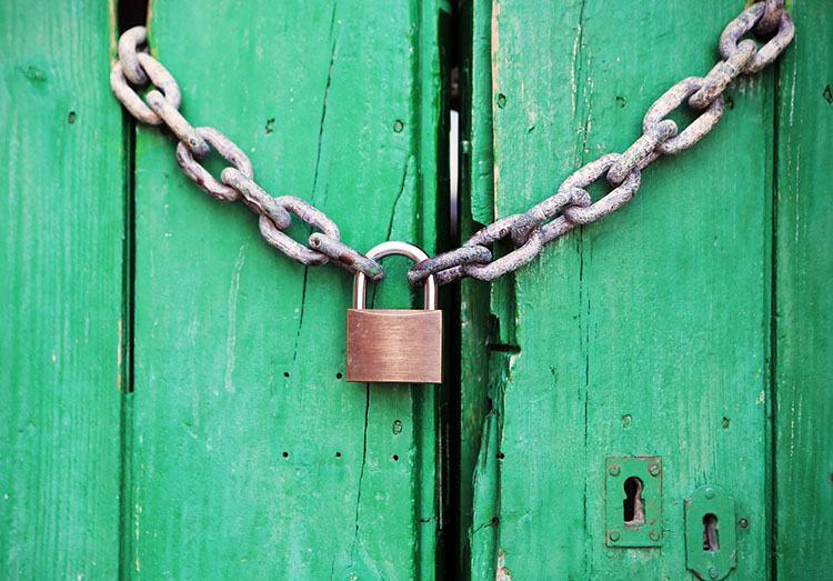 kłódka systemy bezpieczeństwa ciekawostki monitoring ochrona