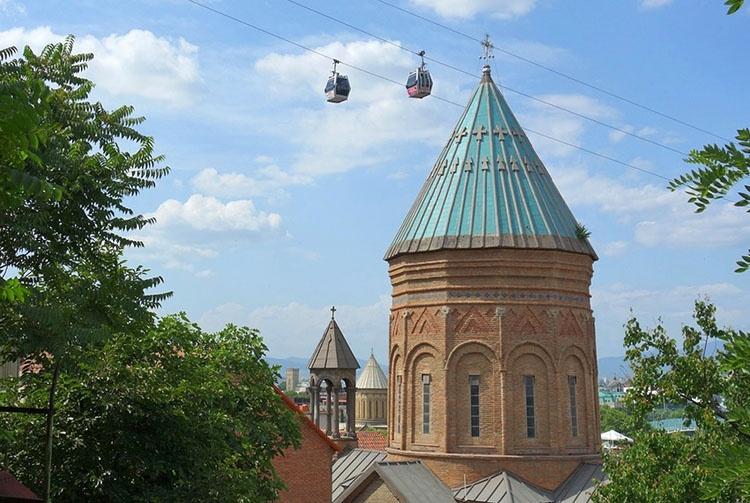 kolejka linowa Tbilisi ciekawostki atrakcje Gruzja stolica miasto