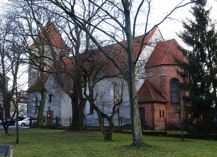 kościół Mrągowo ciekawostki zabytki atrakcje