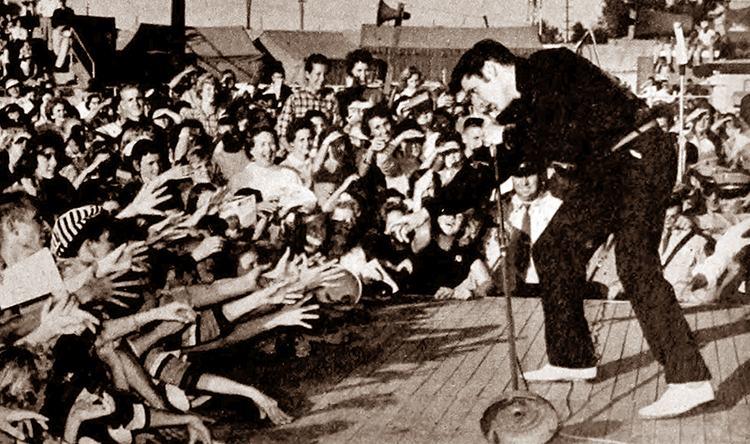 marzec 1957 koncert ciekawostki Elvis Presley gitara piosenki