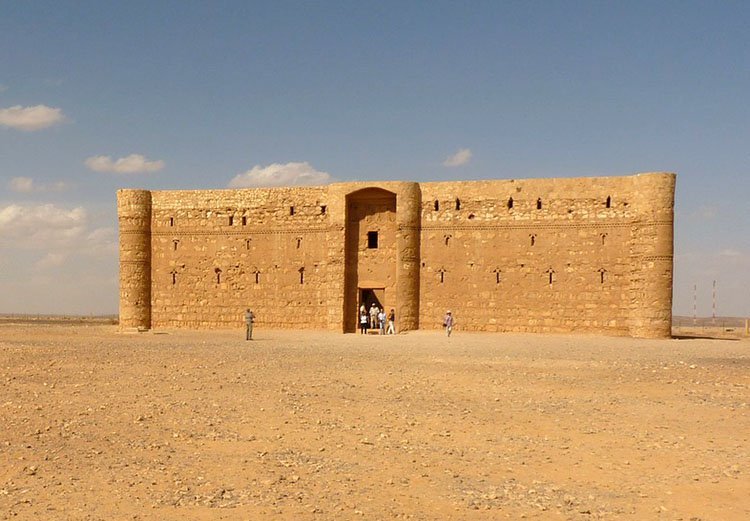 Qasr al Kharana zamek pustynny Jordania ciekawostki atrakcje