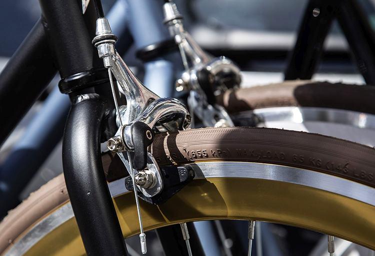 rower hamulec klocki hamulcowe ciekawostki historia motoryzacja samochody
