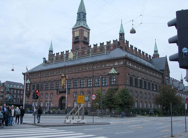 ratusz Kopenhaga ciekawostki atrakcje zabytki Dania