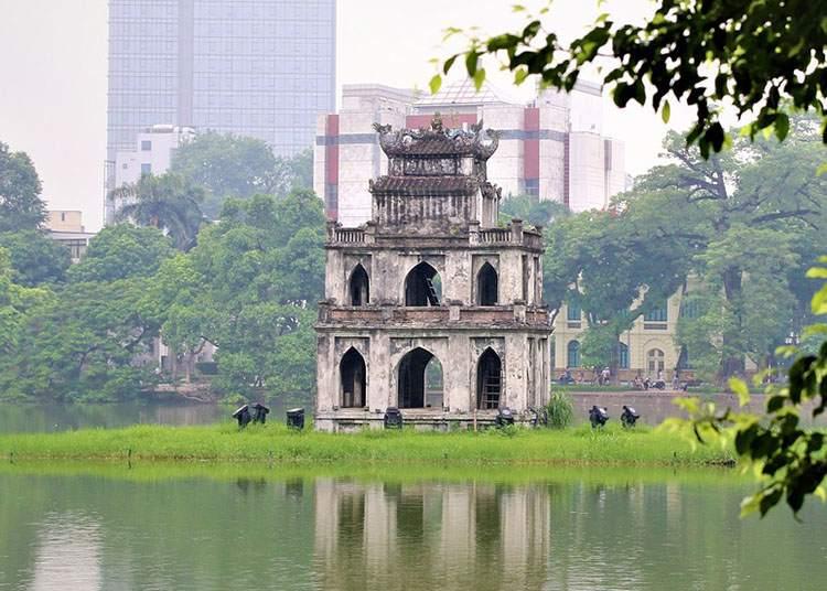 żółwia wieża jezioro Hoan Kiem Hanoi ciekawostki atrakcje Wietnam