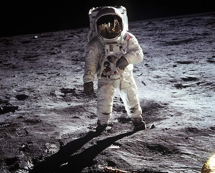 Apollo-11 Buzz Aldrin Księżyc ciekawostki o Księżycu