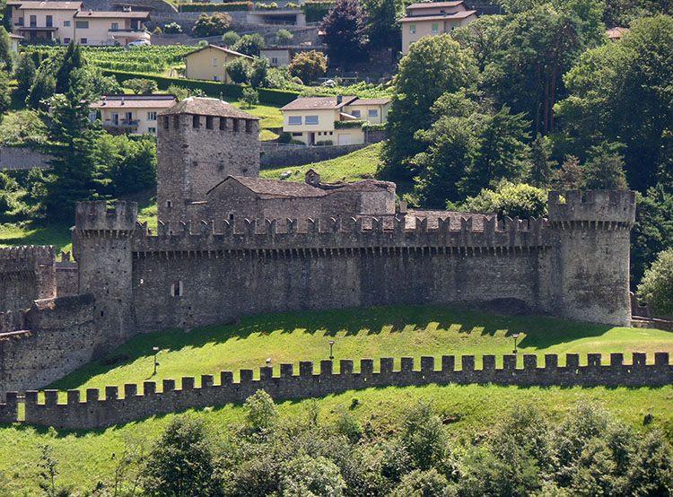 Castello di Montebello Bellinzona ciekawostki Szwajcaria atrakcje zabytki