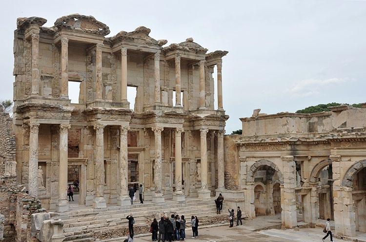 Efez świątynia Artemidy ciekawostki Turcja atrakcje