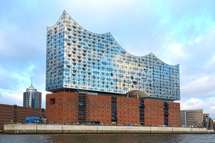 Elbphilharmonie Staatsoper Hamburg ciekawostki atrakcje Niemcy