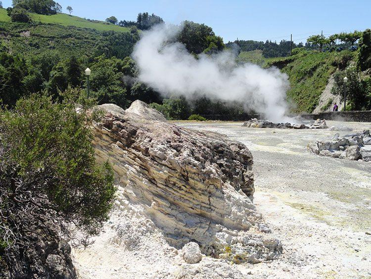 Furnas wody geotermalne Sao Miguel Azory ciekawostki atrakcje