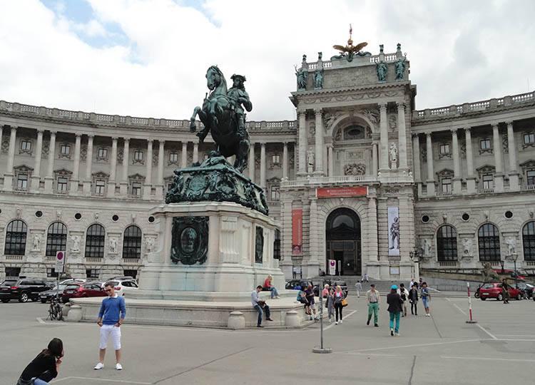 Hofburg Wiedeń ciekawostki Austria zabytki atrakcje