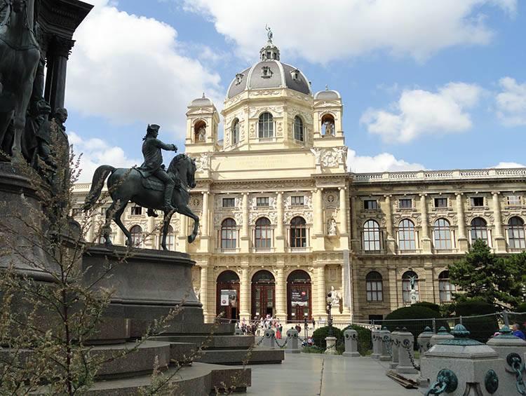 Naturhistorisches Museum Wiedeń ciekawostki Austria zabytki atrakcje