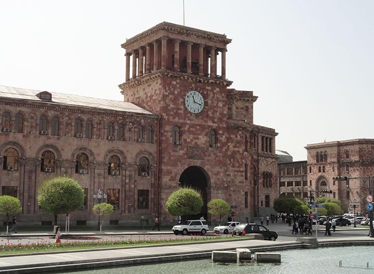 Plac Republiki Erywań ciekawostki atrakcje zabytki Armenia Yerevan