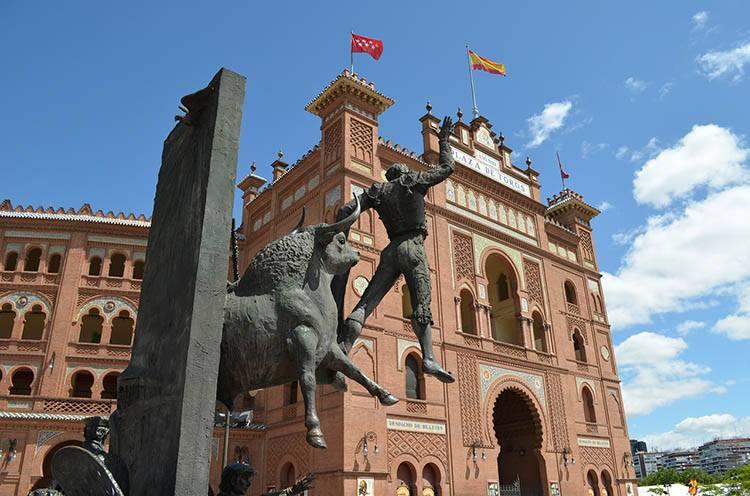 Plaza de Toros walki byków Madryt ciekawostki atrakcje Hiszpania