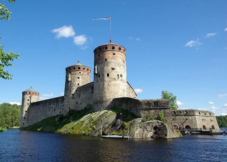 Savonlinna zamek Finlandia ciekawostki zabytki atrakcje