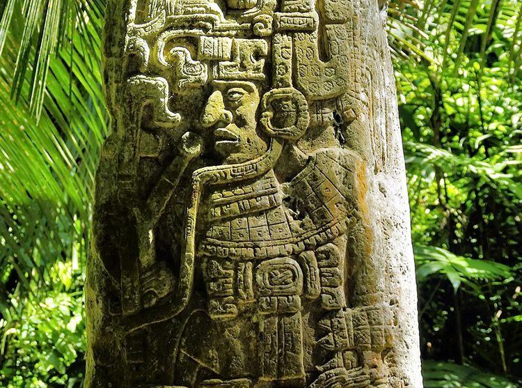 Sayaxche kamień Gwatemala ciekawostki atrakcje Ameryka Środkowa
