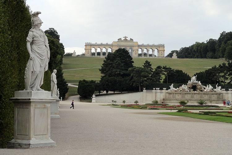 Shonbrunn Glorietta Wiedeń ciekawostki Austria zabytki atrakcje