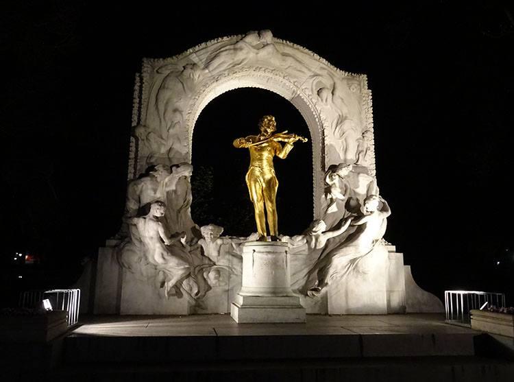 Stadtpark Johann Strauss Wiedeń ciekawostki Austria zabytki atrakcje